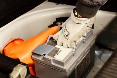 ایمنی هنگام شارژ باتری ماشین و وظایف اصلی باطری خودرو