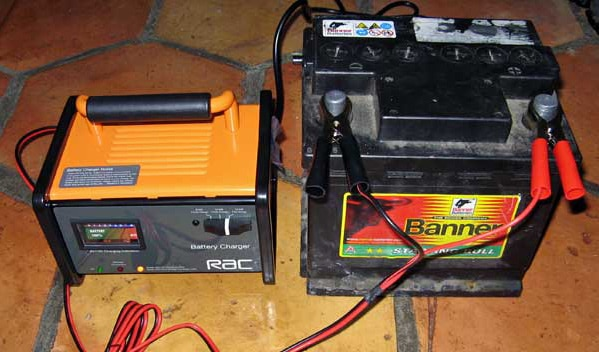 شارژ دوباره باتری خودرو