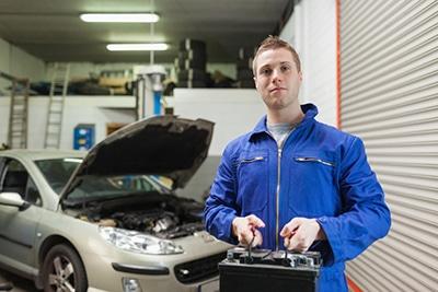 تعویض باتری خودرو در منزل