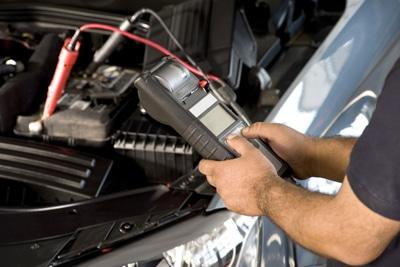 چرا و چگونه باتری خودرو خالی می شود