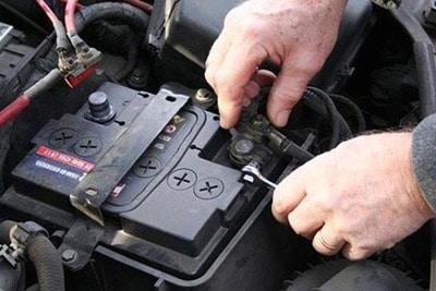 اثرات جدا کردن کابل باتری خودرو هنگام روشن بودن ماشین