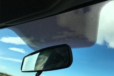 کاربرد نقطه های سیاه روی شیشه خودرو