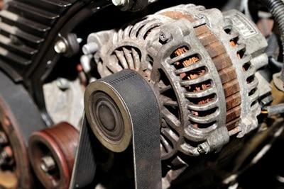 تسمه دینام چیست و چه کاربرد و ویژگی هایی در انواع خودرو ها دارد